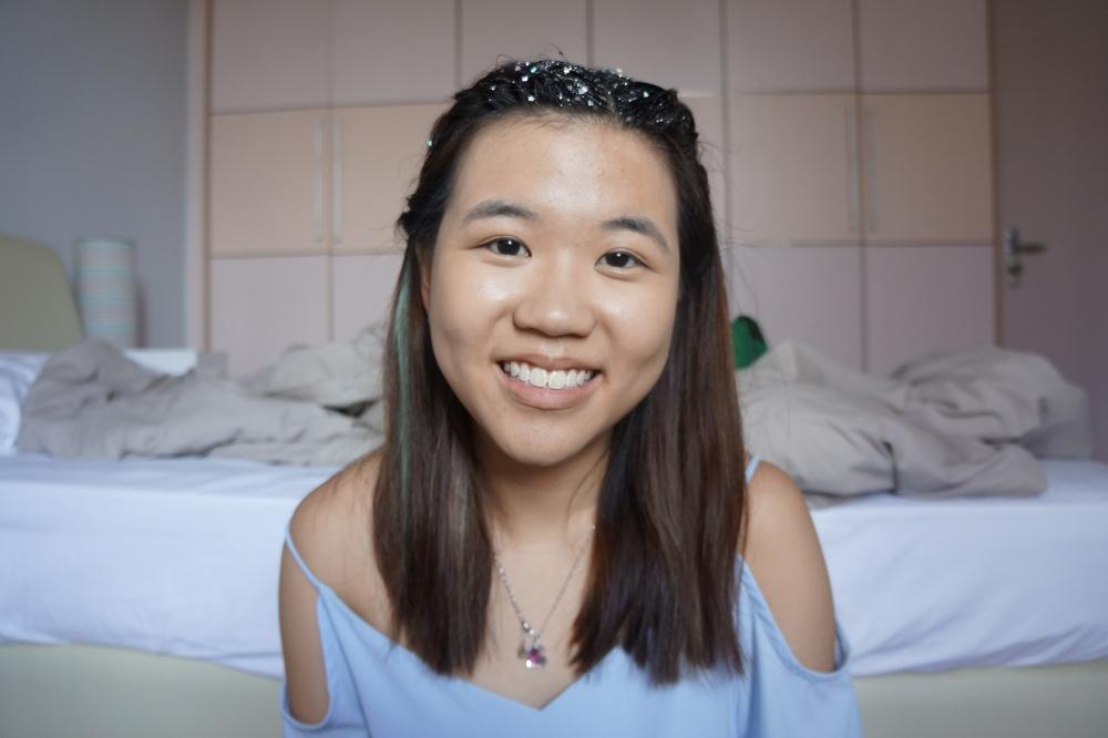 silver glitter hair tutorial