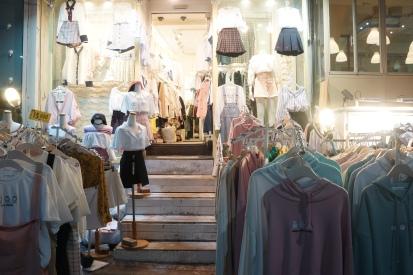 Korea Hongdae clothes shopping